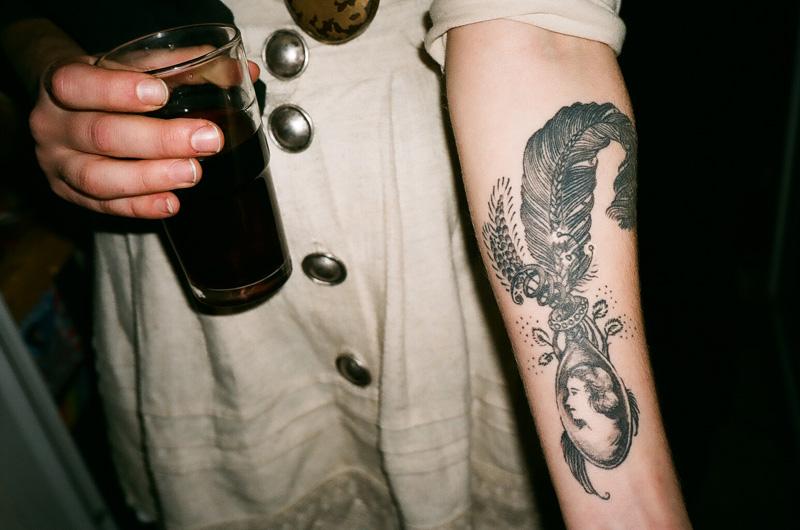 Tattoo plume sang bleu for Sang bleu tattoo