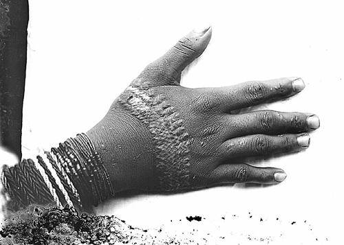 tinguiane hand